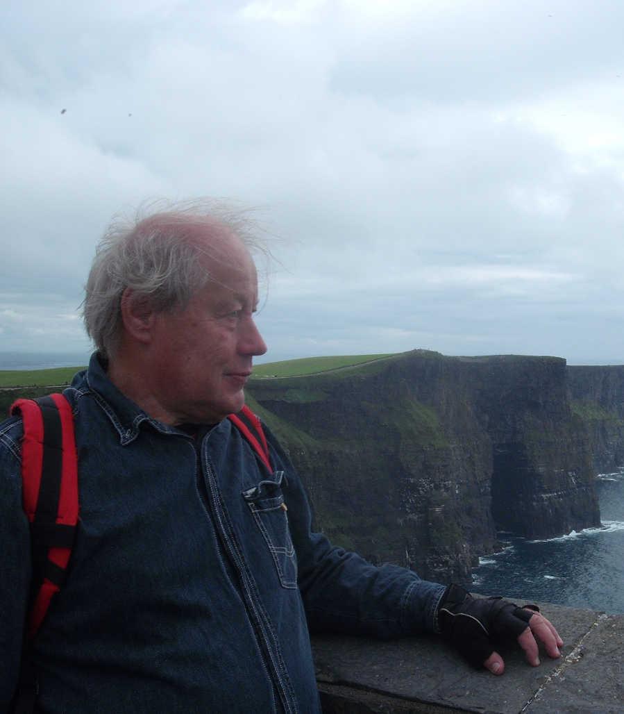 Ik aan de Ierse Westkust (Cliffs of Moher)