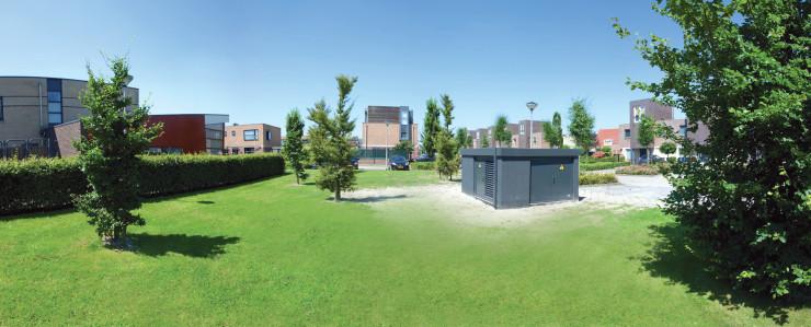 Het grijze blok is de behuizing van de wijkaccu De Keen