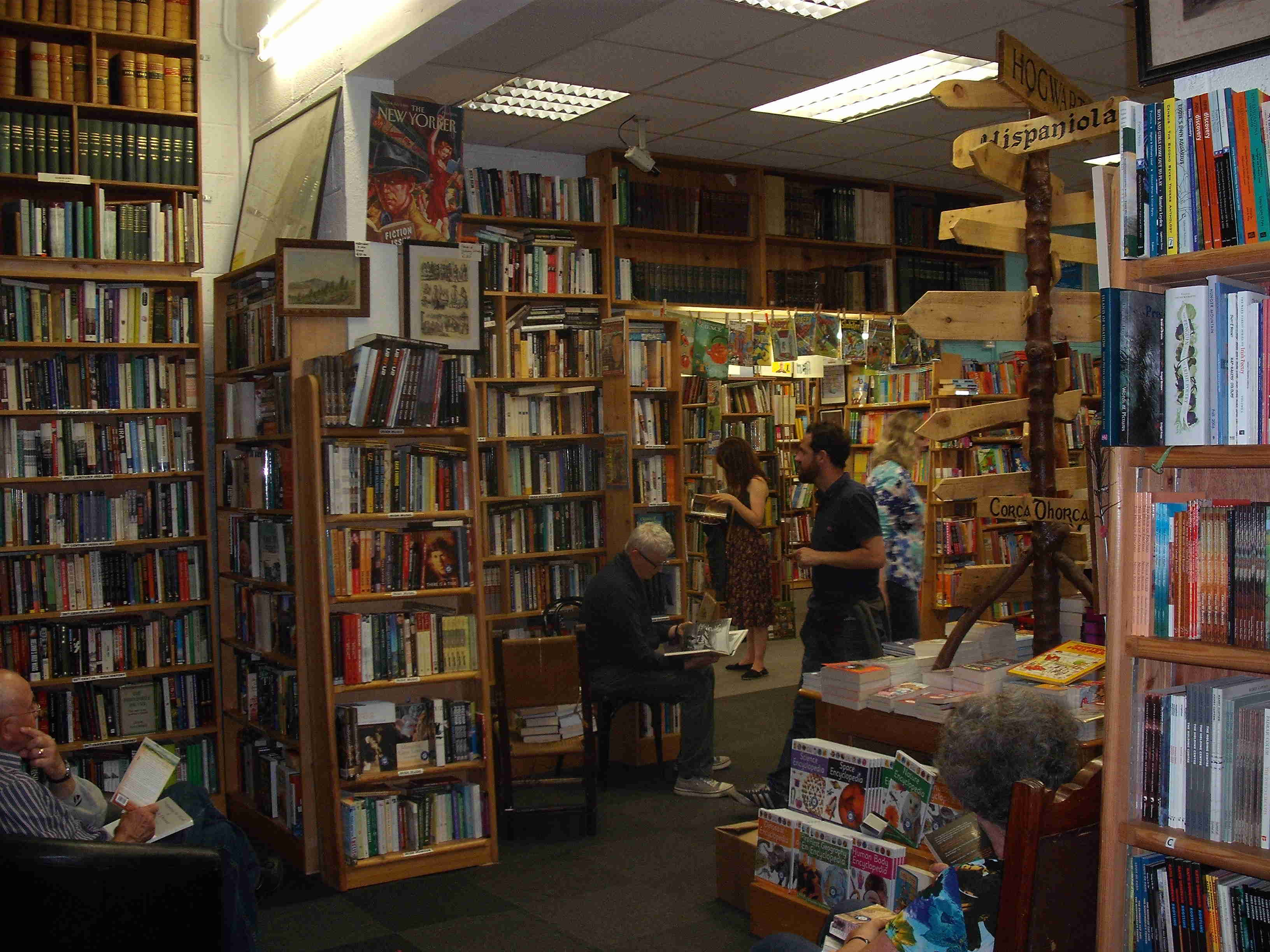 Charlie Byrne's second hand bookshop (www.charliebyrne.ie)