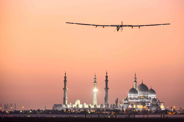 De Solar Impulse 2 in Abu Dhabi