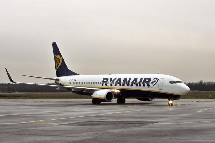 Ryanair diep door de knieën en praat met de vakbond